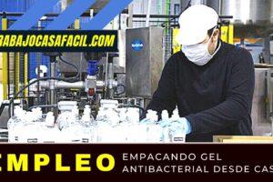 trabajar desde casa empacando gel antibacterial